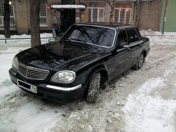 «Крузак» в шоке: Старая «Волга» уделала внедорожников в заезде по снегу