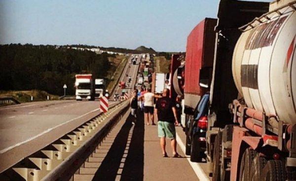 «Освободим Лосево!»: Грядущий запрет на движение фур по участку трассы М4 «Дон» неоднозначно восприняли в сети