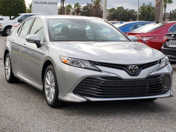 Свергнет лидера? Эксперт сравнил новые Mazda 6 и Toyota Camry