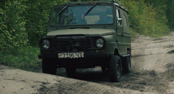 «Адская гонка»: ЛуАЗ-1302 и «Гелик» сразились на офф-роуде