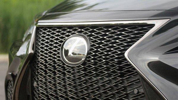 Компания Lexus готовится к выпуску нового роскошного минивэна