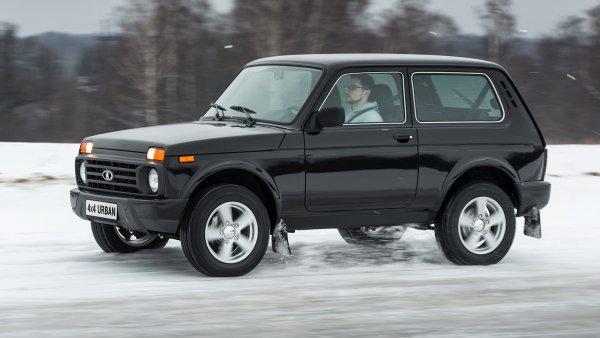 «АвтоВАЗ» сливает «Ниву»: Почему новая LADA 4x4 ржавеет и ломается, предположил блогер