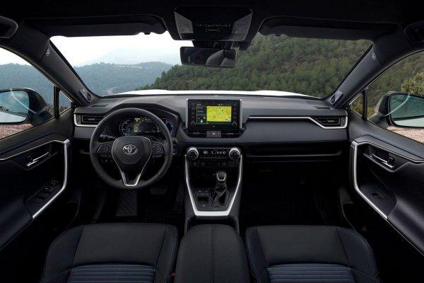 Остался «табуреткой»? Мнением о новом Toyota RAV4 2019 поделился эксперт