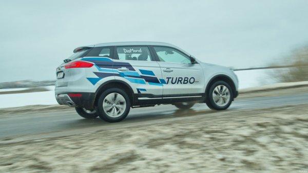 «Спортивный характер у него определённо есть»: Впечатлениями от езды за рулём Geely Atlas 1.8 Turbo поделился эксперт