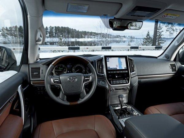 «Очень неухоженные машины»: Автолюбитель развеял миф о «неубиваемости» Toyota Land Cruiser 200
