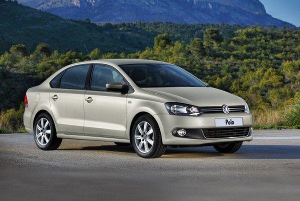 «Пластмасса вся хрустит»: Владелец Volkswagen Polo рассказал, как седан перенес зиму