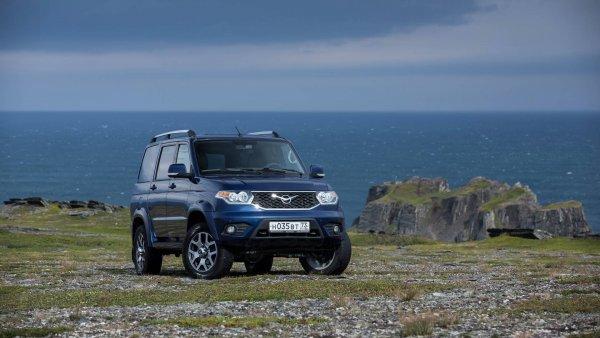 «Машина идет с трудом, но идет»: Вседорожный тест-драйв УАЗ «Патриот» устроил блогер