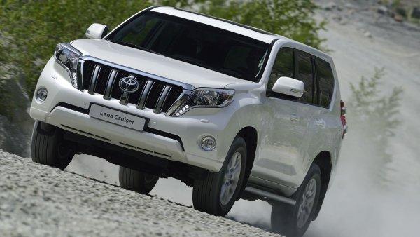 Как ржавеет «Сотка»: О проблемах с коррозией подержанных Toyota Land Cruiser 100 рассказал эксперт