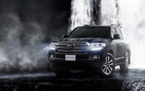 «Принцесса с Алиэкспресса»: Составлен ТОП-10 товаров дешевле 1 000 рублей для Toyota Land Cruiser