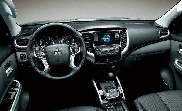 «Частичка Чака Норриса»: Честно о новом Mitsubishi L200 высказался блогер