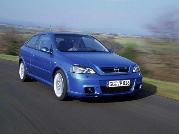«Бюджетно, но спортивно»: О состоянии Opel Astra G со «вторички» подробно рассказал блогер