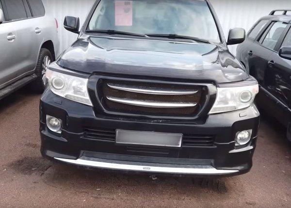 «Помойка за 1,8 млн рублей»: «Убитый» Land Cruiser 200 с пробегом шокировал сеть