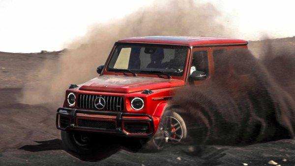 Битва внедорожных «титанов»: «Люксовые» Toyota Land Cruiser 200 и Mercedes G63 AMG сразились на зимнем бездорожье