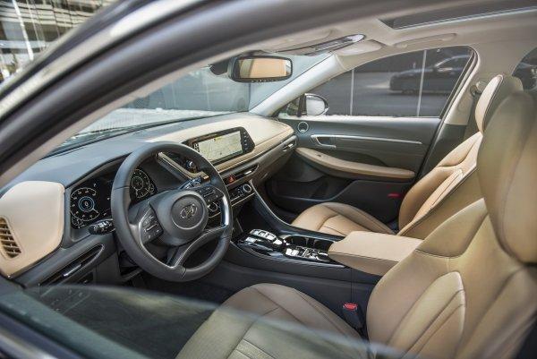 «Премиум-кореец уделает Toyota Camry?» Новый Hyundai Sonata оценили автоэксперты