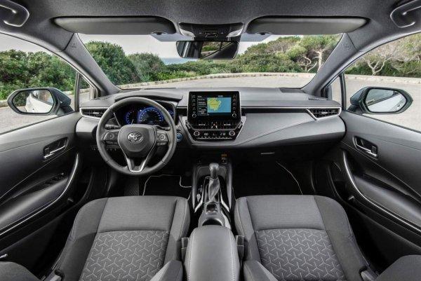 «Косяки», про которые никто не расскажет: Минусы новой Toyota Corolla 2019 назвали блогеры