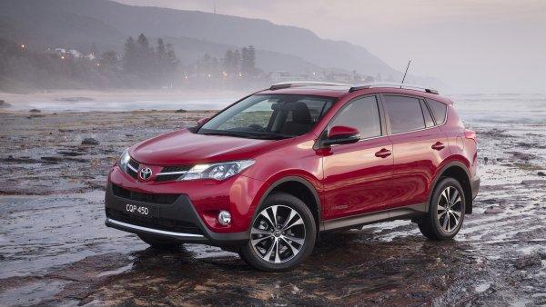 «Езжу и горя не знаю!»: Впечатлениями от 7-летнего Toyota RAV4 поделился водитель