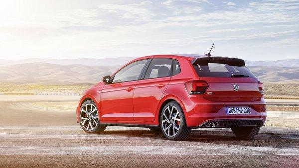 «3 года езжу, даже клапанную крышку не откручивал»: Достоинства VW Polo с 1,8-литровым мотором назвали в сети
