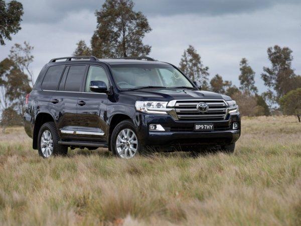 «Понравился Крузак? Вези к официалам»: Рекомендациями по выбору Toyota Land Cruiser 200 с пробегом поделились в сети