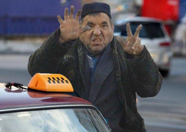 Руки не для скуки: Глухой водитель московского такси активно общался за рулем