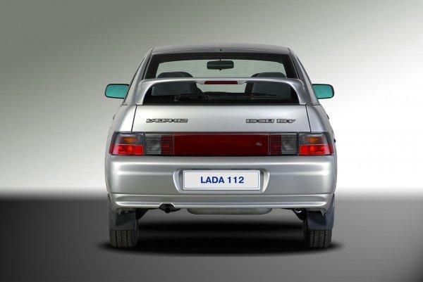 «Не капризный и прослужит долго»: Об актуальности покупки ВАЗ-2112 в наши дни подробно рассказал блогер