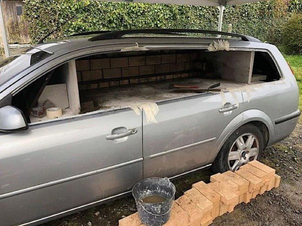 «Форд Мангал»: Старый Ford Mondeo, превращённый в печь для пиццы, «взорвал» сеть