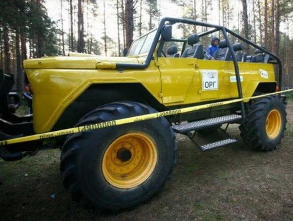 «Уазик для Халка!»: Внедорожный «монстр» на базе УАЗ «Хантер» и ГАЗ-66 «взорвал» сеть