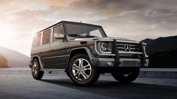 «Лучше японец в максималке, чем немец в минималке»: Выбор между Toyota Land Cruiser 200 и Mercedes-Benz G-Class обсудили в сети