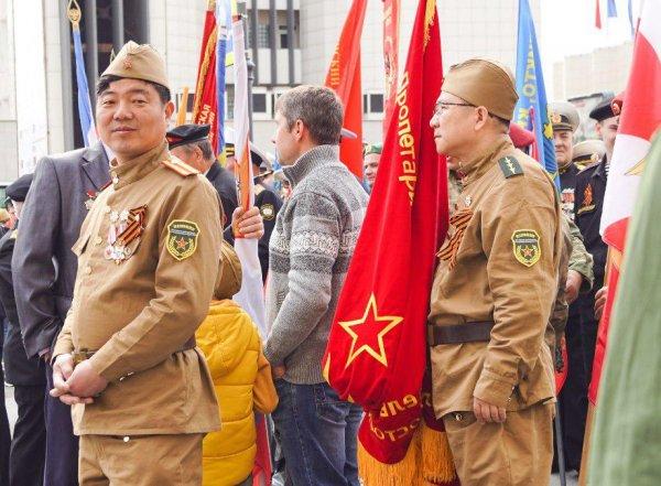 Во Владивостоке азиаты почтили память погибших в ВОВ - какую роль в войне играл Китай?
