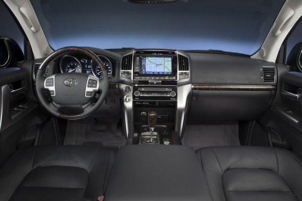 Что стало с «Крузаком»: Владелец Toyota Land Cruiser 200 с пробегом в 250 000 км поделился опытом