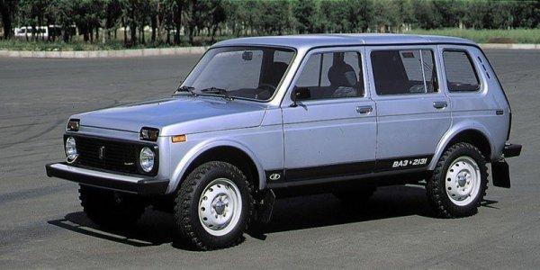 «Крокодил» уделал «Шниву»: В сети рассказали, почему не стоит менять ВАЗ-2131 на Chevrolet Niva