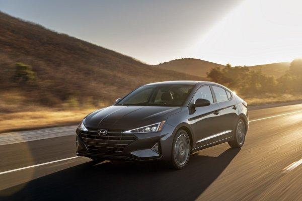 Чем она хуже старой: Новую Hyundai Elantra 2019 проанализировал эксперт
