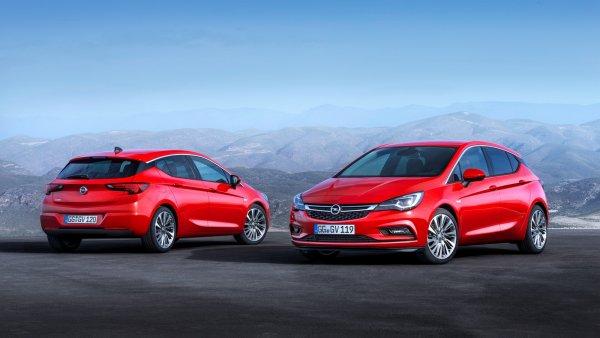Автомобиль C-класса по цене Volkswagen Polo: Особенности Opel Astra со «вторички» раскрыл эксперт