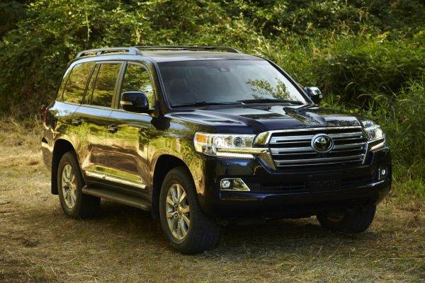 Кто ездит на «Прадо» и хочет «Двухсотку»: Автомобилисты рассказали, какой Toyota Land Cruiser выбрать