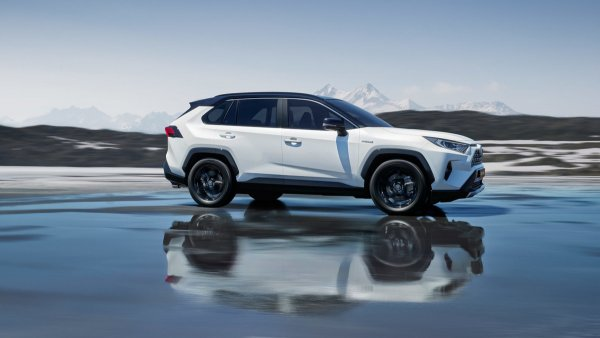 «Теперь на все машины буду ставить газ»: Восторгами от Toyota RAV4 с ГБО поделился владелец