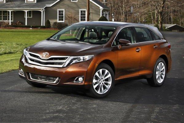 «Оптимальная Тойота до миллиона рублей»: Альтернативу Toyota Camry расхвалил блогер