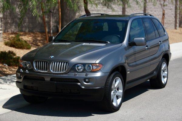 BMW X5 «с трупным запахом» по цене «Гранты»: Блогер собирается реанимировать «бэху» за 400 тысяч