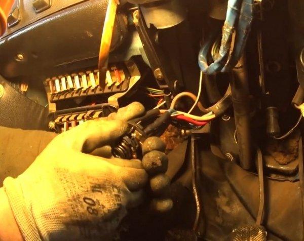 Это был не карбюратор: О ремонте не заводящегося ВАЗ-2106 рассказал эксперт