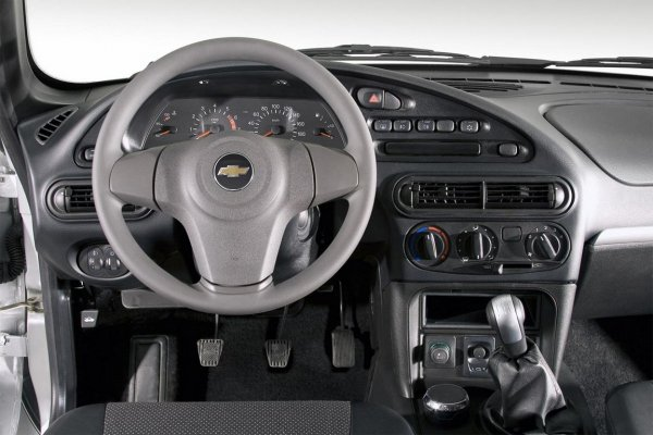 «Скрипучий случай»: Владелец Chevrolet Niva рассказал о годе с внедорожником
