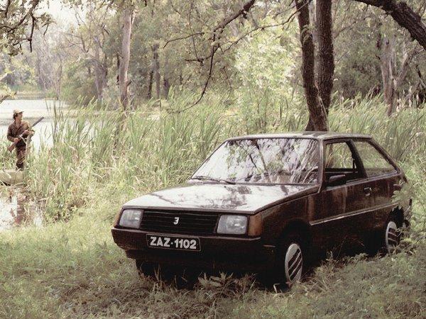 «Трезвым я бы в неё не полез»: Впечатлениями от ЗАЗ-1102 за 30 000 рублей поделился блогер