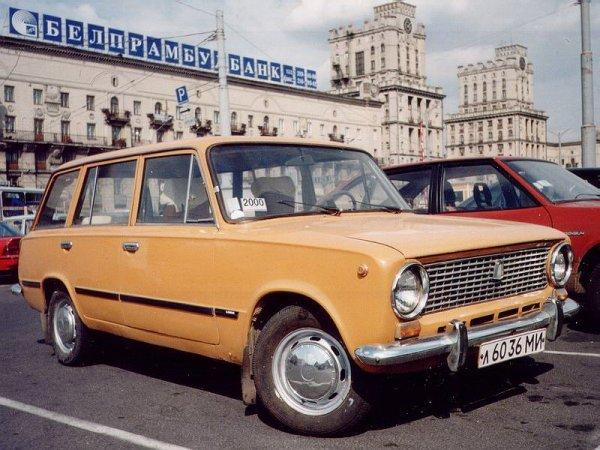 «В жизни не видел новую двойку»: Блогеры отыскали ВАЗ-2102 с пробегом 120 км