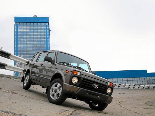 «Оно живое?!»: О максимально «убитой» LADA 4x4 за 1 500 рублей рассказал блогер