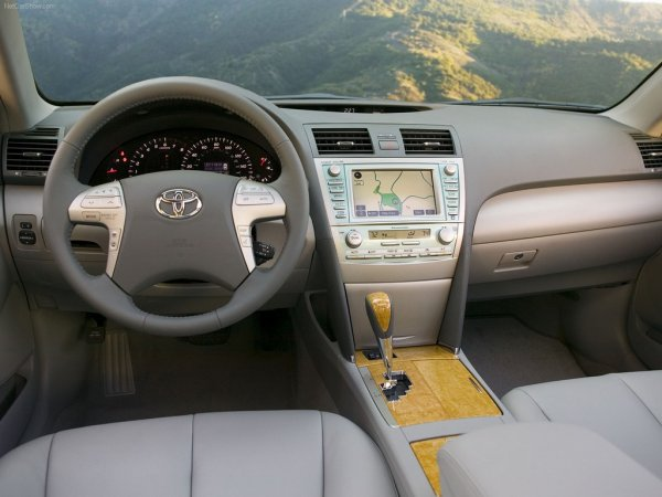 «Не продавайте сороковку»: Особенности Toyota Camry 40 раскрыл эксперт