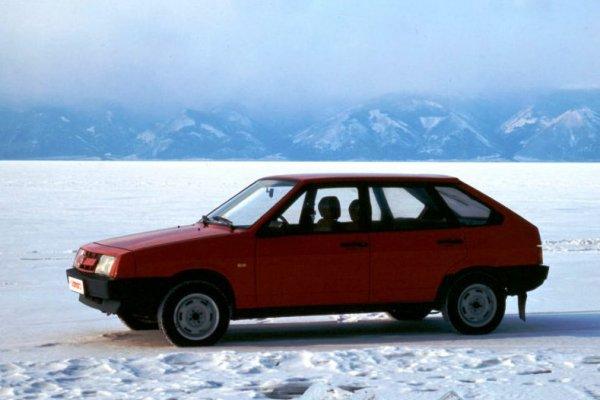 Тише едешь – дальше будешь: Автомобилисты сравнили в деле старые «Джетту» и ВАЗ-2109