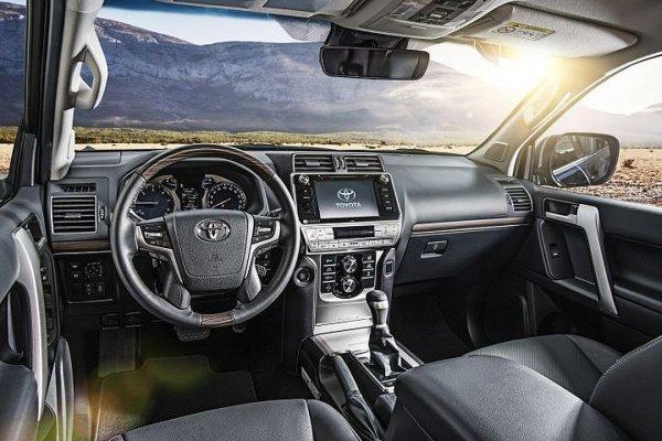 «Трактор, танк и грузовик в одном лице»: Стоит ли покупать самый «бедный» Toyota LC Prado с МКПП, рассказал владелец