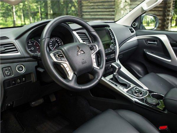 «Поджарый» и его минусы: О недостатках Mitsubishi Pajero Sport 3 откровенно рассказал блогер