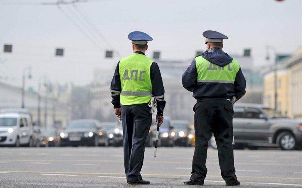 «Штрафы – наличными в карман»: На работу ДПС-ников на М4 «Дон» вновь пожаловались в сети
