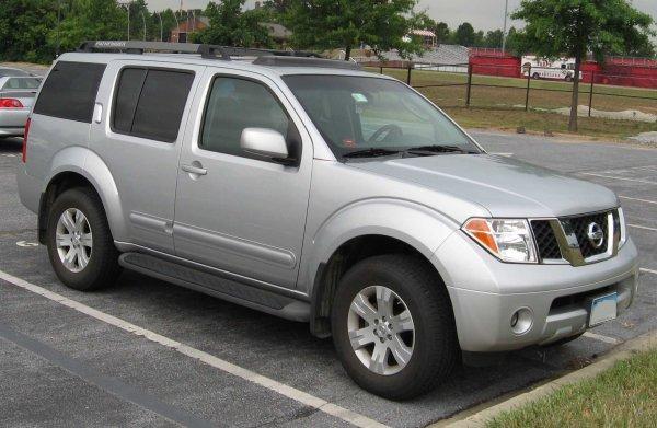 «Идеальная тачки для бати»: Обзором на Nissan Pathfinder поделился блогер