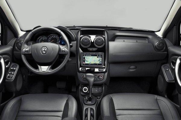 «Всё просто пластмассовое»: Опытом эксплуатации Renault Duster в «базе» поделился владелец