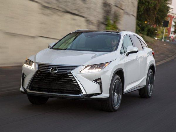«Прадик» против «Мыльницы»: Что купить за 3,5 млн – Toyota Prado или Lexus RX 300, обсудили в сети