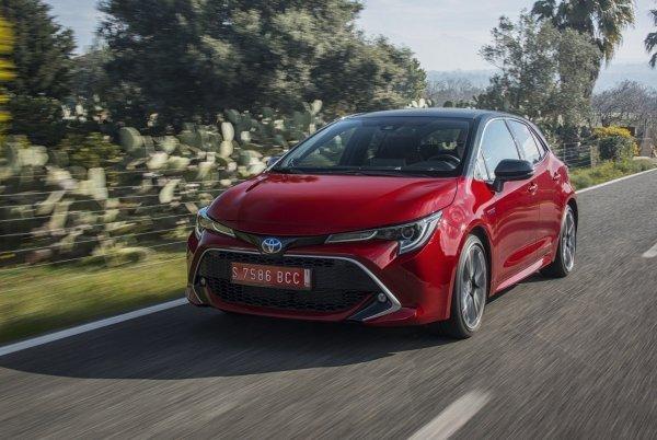 В поисках лучшего гибрида – О выборе между Toyota RAV4, Camry, Prius и Corolla рассказал эксперт